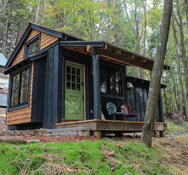 Tiny cabin is a sustainable maine eco resort - The moon dragon the eco tiny house ...