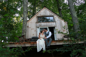 Picturesque Tiny Tree House Built in 6 Weeks for $4k