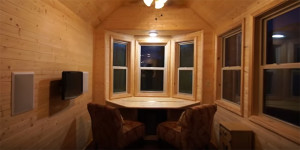 A Tour of the Shenandoah – a Gorgeous Tiny House!
