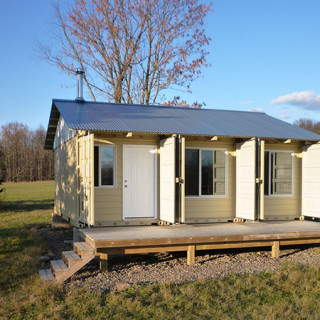 shipping-container-cabin1